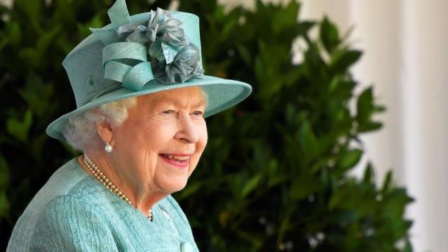 İngiltere Kraliçesi II. Elizabeth: Covid aşısı hiç canımı yakmadı